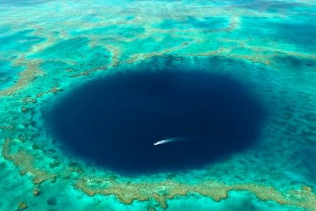 Peer Inside a Mysterious Blue Hole in the Great Barrier Reef