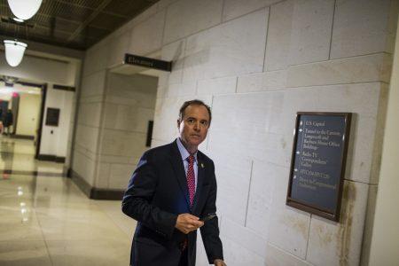 House Democrats write memo to counter GOP's take on Russia probe, attacks on FBI