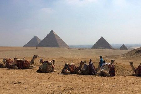 Egyptian archaeologists discover 4400-year-old tomb near Cairo