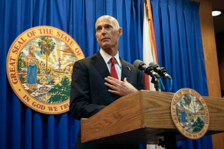Defying NRA, Florida Lawmakers Back Raising Age Limits on Assault Rifles