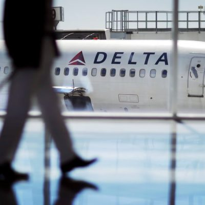 In NRA Fight, Delta Finds There Is No Neutral Ground