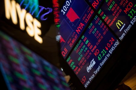 Dow drops 666 points and posts its worst week since 2016