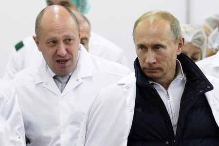 Charged 'Putin's chef' runs news sites along with troll army