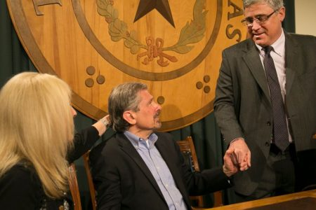 Texas governor weighs parole board's advice on inmate's fate