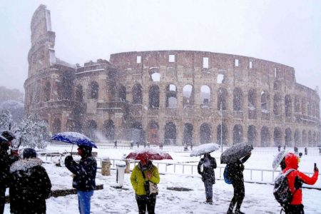 Rome covered in rare snowfall