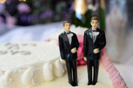 Judge rules bakery owner can refuse to make wedding cake for same-sex couples