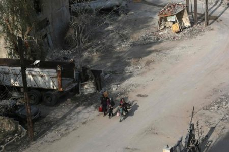 In Replay of Aleppo, Pro-Syrian Forces Split Rebel Redoubt in Eastern Ghouta