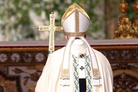 Priest publicly wishes for Pope's quick death because of his views on immigration and Islam