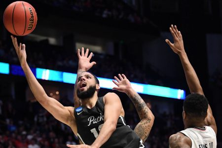 NCAA tournament 2018: Nevada knocks out No. 2 seed Cincinnati with monster comeback