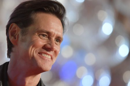 Jim Carrey criticized for portrait believed to be Sarah Huckabee Sanders