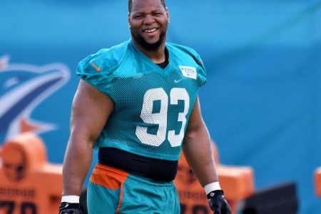 Ndamukong Suh agrees to one-year deal with Rams
