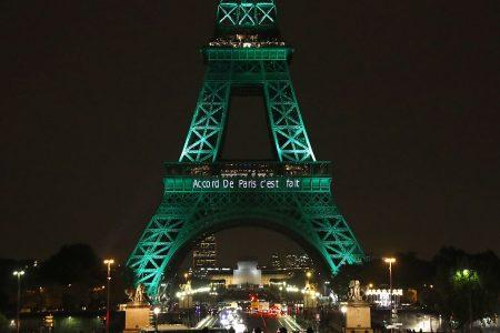 Landmarks go dark for 'Earth Hour'