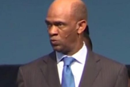 Houston megachurch pastor, accomplice bilked investors out of more than $1M: Feds