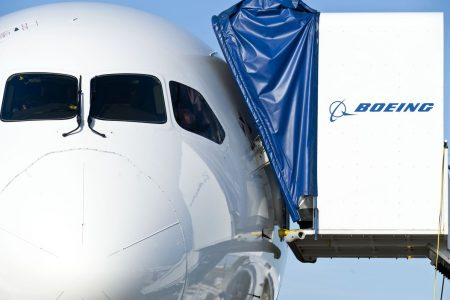 Boeing Tops Airbus With $12.3 Billion American Air Deal for 787s