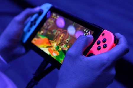 Nintendo Puts Switch Into Hands of Famicom-Generation President
