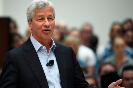 JPMorgan beats, profits jump 35%