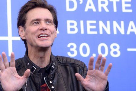 'Dumb and Dumber' reunion: Watch Jim Carrey surprise co-star Jeff Daniels on 'Conan'