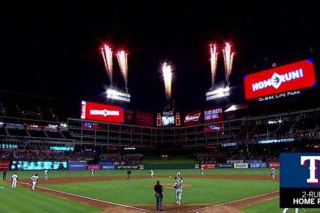 WATCH: Robinson Chirinos hits a Game-tying home run vs. Athletics   Athletics at Rangers
