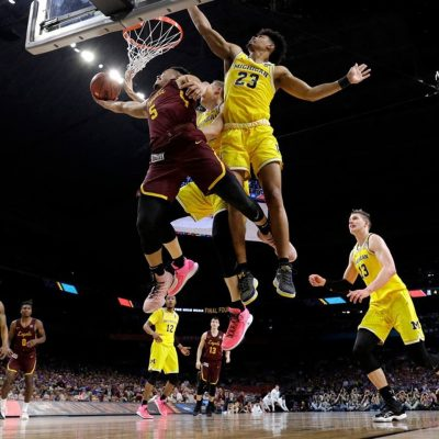 Loyola Chicago vs. Michigan: Wolverines' cold shooting helps Ramblers to halftime lead