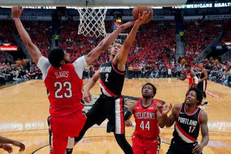 NBA playoffs live: Blazers-Pelicans both tight and tense; 76ers win ugly