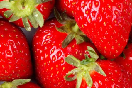 "Strawberries top 2018's ""Dirty Dozen"" list of fruits and vegetables"