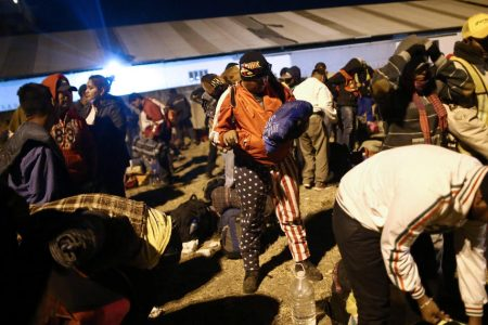"""Migrant """"caravan"""" could cross into US as early as Sunday"""