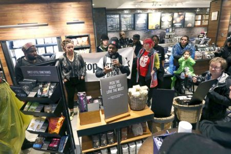 Starbucks to close 8000 stores to give staff 'racial-bias' training