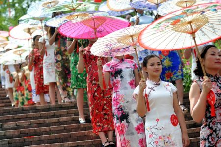 Teenager's Prom Dress Stirs Furor in US — but Not in China