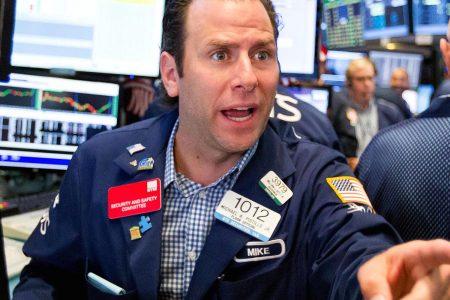 Dow falls 2%, led by JP Morgan, Morgan Stanley