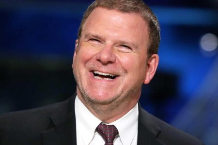 Billionaire restaurant owner Fertitta moves into food delivery, says 'consumer tells us what to do'
