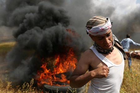 Israeli air strikes destroy Hamas militant tunnel in Gaza