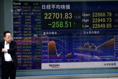 Asian stocks decline after global markets fall on Italian turmoil