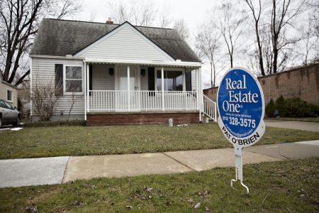 Surging Mortgage Rates Set Off Scramble to Buy Homes