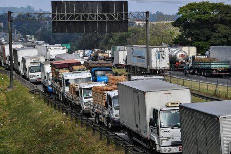 Brazil Trucker Strike Eases Just as Oil Union Threatens Walkout