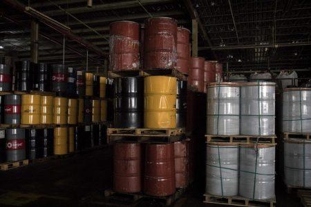 Oil Trades Above $70 as Market Awaits Trump Call on Iran Curbs