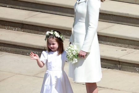 Kate Middleton dons pale suit at royal wedding, gets slammed on Twitter
