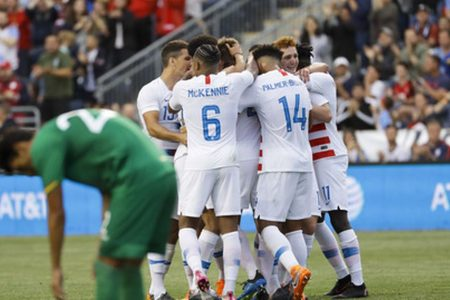 Sargent & Weah, both 18, score as US beats Bolivia 3-0