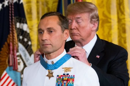 As Former SEAL Receives Medal of Honor, a Controversy Is Reignited