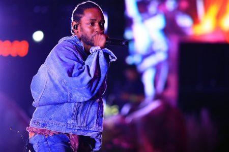 Kendrick Lamar Stops White Fan Rapping N-Word Onstage