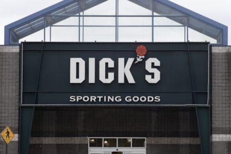 Dick's Sporting Goods defies NRA, predictions: sales, earnings rise despite gun policy