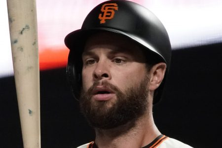 Giants slugger Brandon Belt questions umpire's integrity after questionable call ends game