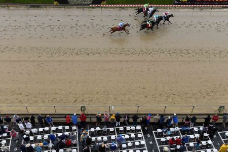 Rainy Preakness day turns off bettors, could hurt track bottom line