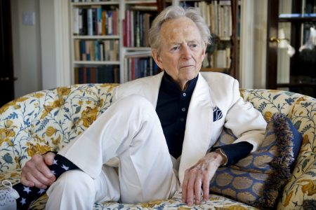 Tom Wolfe, apostle of 'New Journalism' who captured extravagance of his times, dies at 88