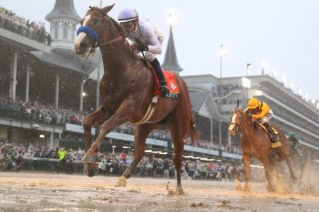 Justify shakes off muddy track, wins 144th Kentucky Derby in commanding performance