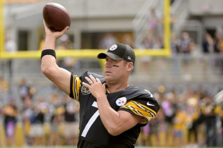 Ben Roethlisberger isn't giving way to Mason Rudolph, wants to play 'three-to-five more years'
