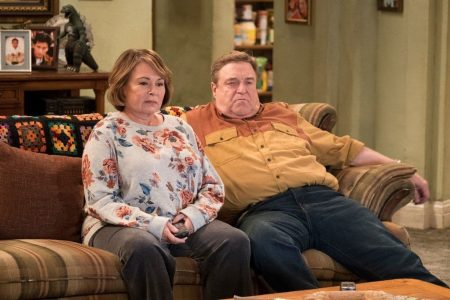 In 'Go Cubs' episode, 'Roseanne' takes on Muslim neighbors, the VA and more