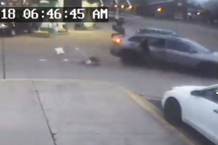 11-year-old girl seen jumping out of SUV amid carjacking at gas station