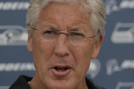 Cliff Avril: Seahawks Started Questioning Pete Carroll After Super Bowl Loss