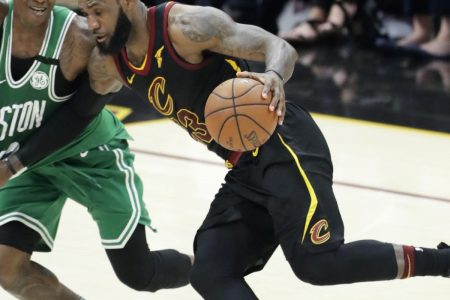 LeBron James Erupts for 44 as Cavaliers Cruise Past Celtics to Even Up ECF