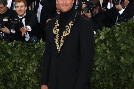 Drew Bledsoe on Tom Brady's Met Gala Outfit: 'Looks Like He Lost a Bet'